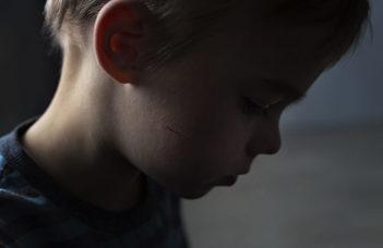 Kiközösítés, megalázás, verés – bullyingban az egész közösség szenved