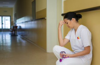 Sürgős mentális segítség kellene az egészségügyben (Telex)