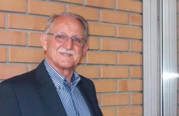 Iker János címzetes egyetemi tanár címet kapott